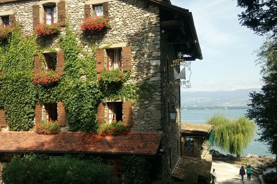 Ивуар входит в ассоциацию самых красивых деревень Франции и представляет страну на европейских конкурсах по благоустройству