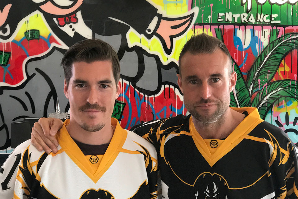 Хоккеист Дарио Бюрглер и Филип Пляйн