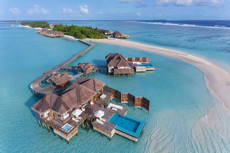 Курорт Conrad Maldives известен лучшими ресторанами на архипелаге