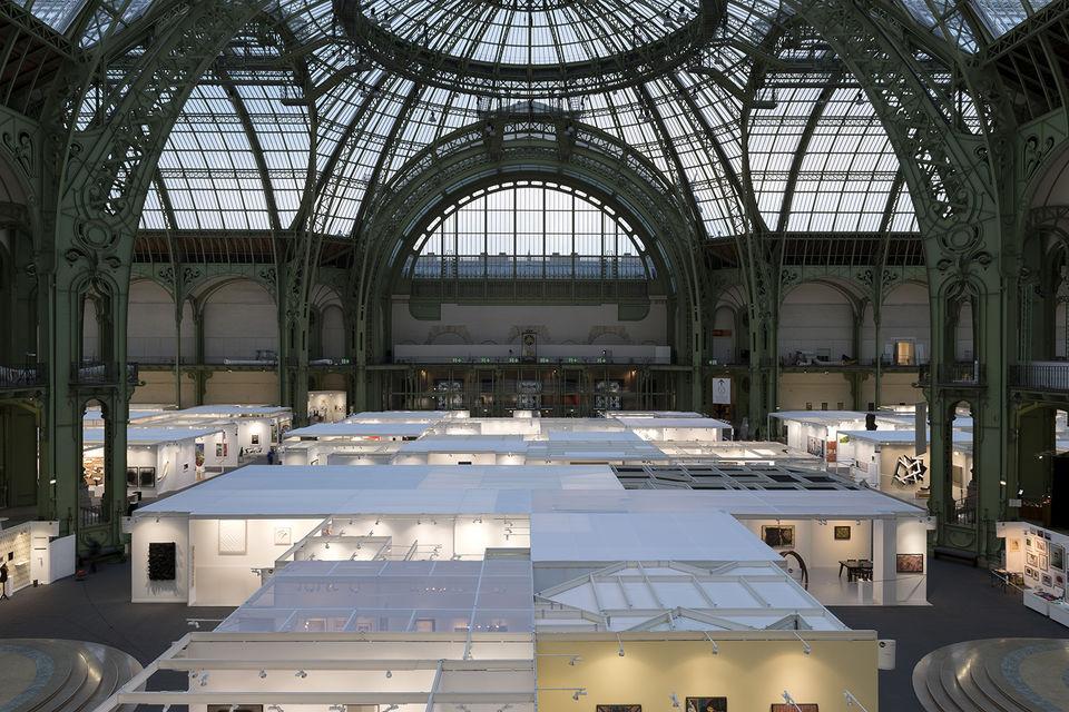 Под сводами Grand Palais в 44-й раз покажут французское l'art de vivre на ярмарке модернистского и современного искусства FIAC