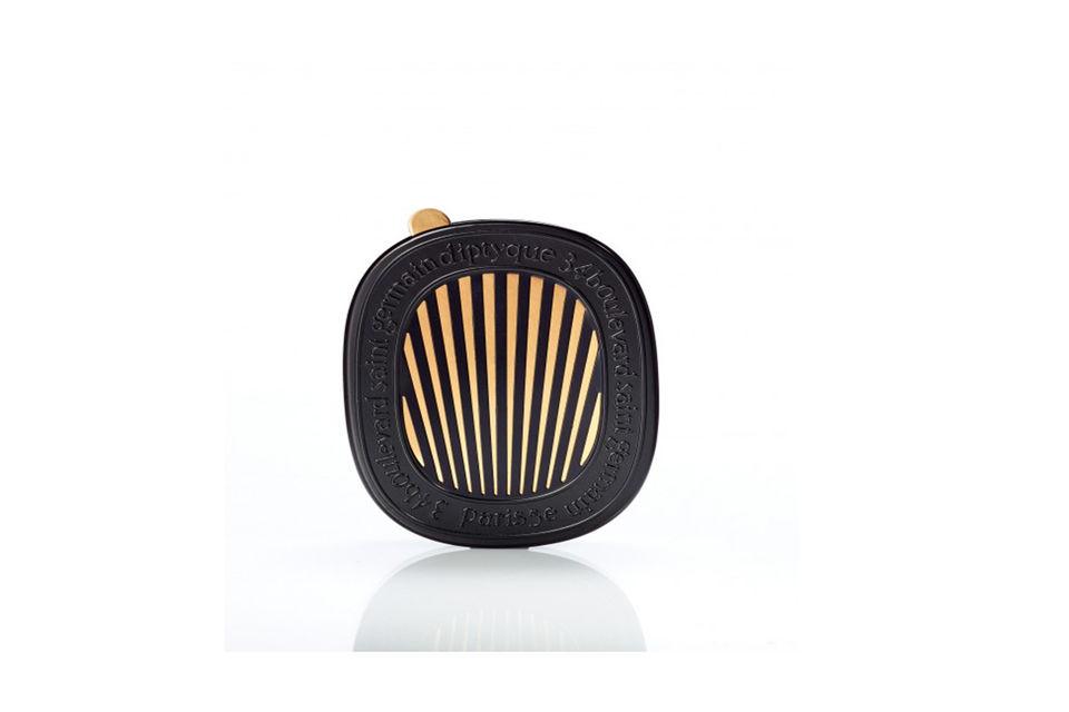 Теперь поклонники парфюмерного бренда Diptyque могут приобрести и аромат для автомобиля