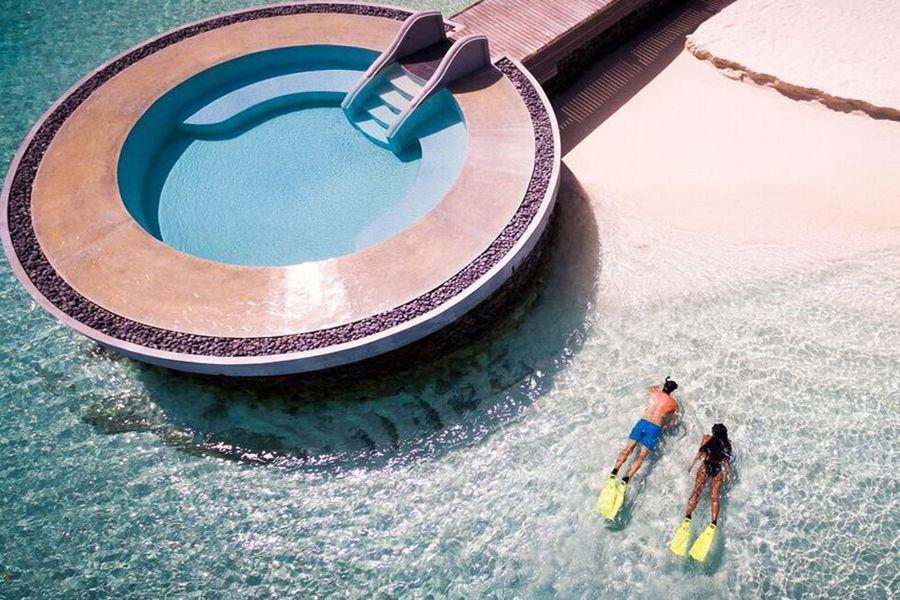 Huvafen Fushi - первый и единственный в мире отель с подводным спа-центром
