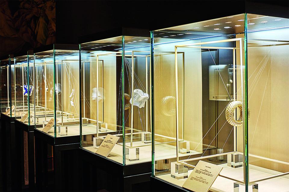 Damiani привез в Москву 18 драгоценных творений, удостоившихся в разные годы ювелирного «Оскара»