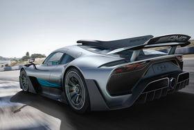 Mercedes-AMG Project One: этот «снаряд» с  двигателем в 1000 л. с. способен разогнать машину до 200 км/ч менее  чем за 6 секунд