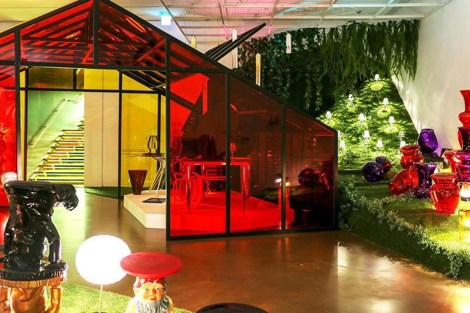 Выставка наглядно показывает, как внедрение пластика в производство способствовало укреплению репутации  итальянского дизайна в мире