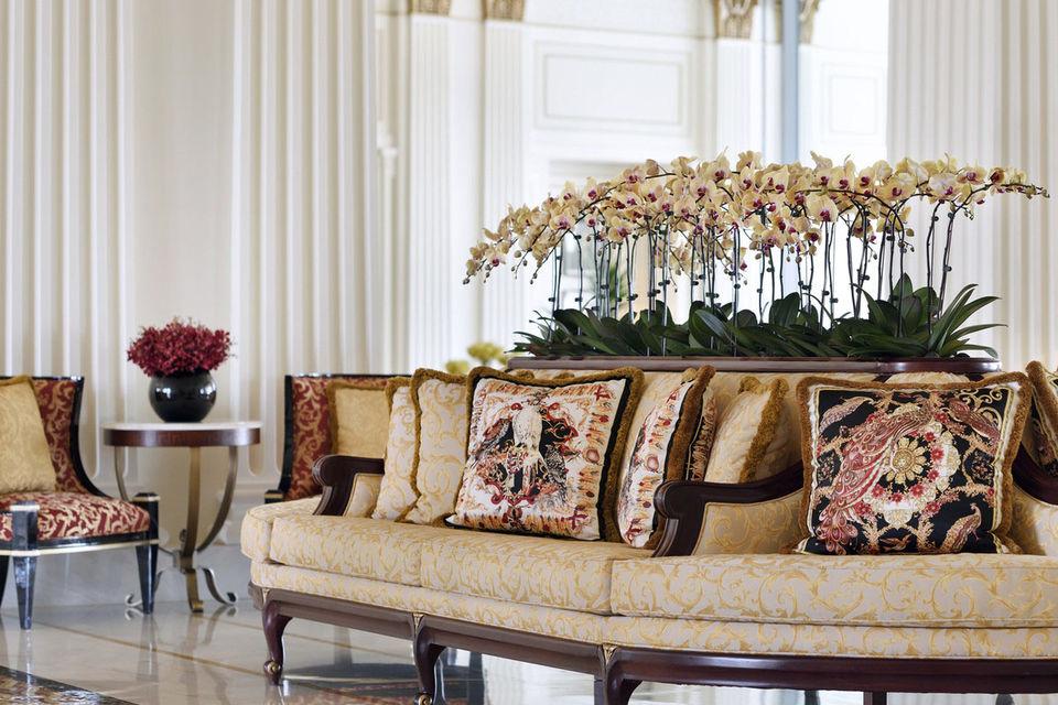Интерьер лобби отеля Palazzo Versace Dubai