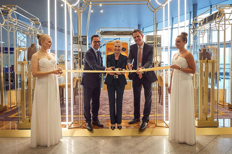 Открылся первый в мире pop-up магазин Bulgari в аэропорту