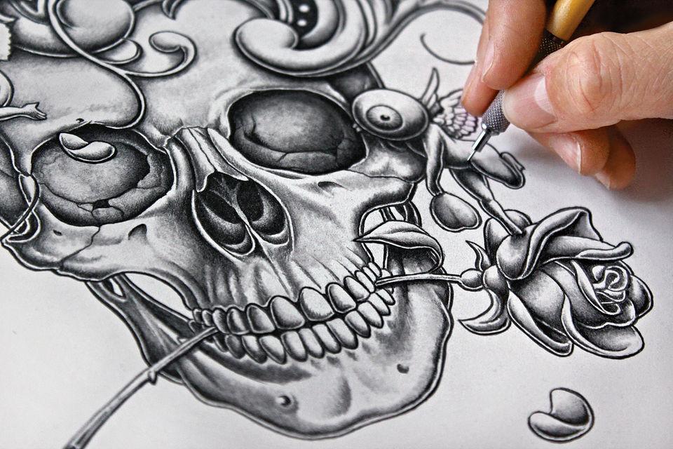Художник прорисовывает даже самые мелкие детали