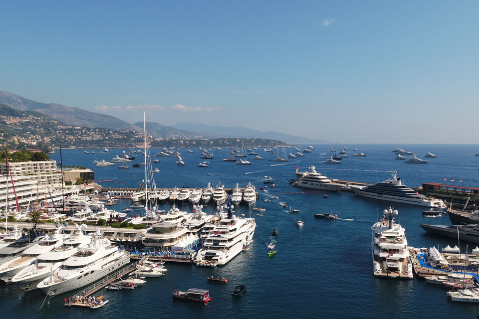 Monaco Yacht Show — самая крупная яхтенная выставка в мире. 125 суперъяхт и 36.400 гостей приняли в ней участие в этом году