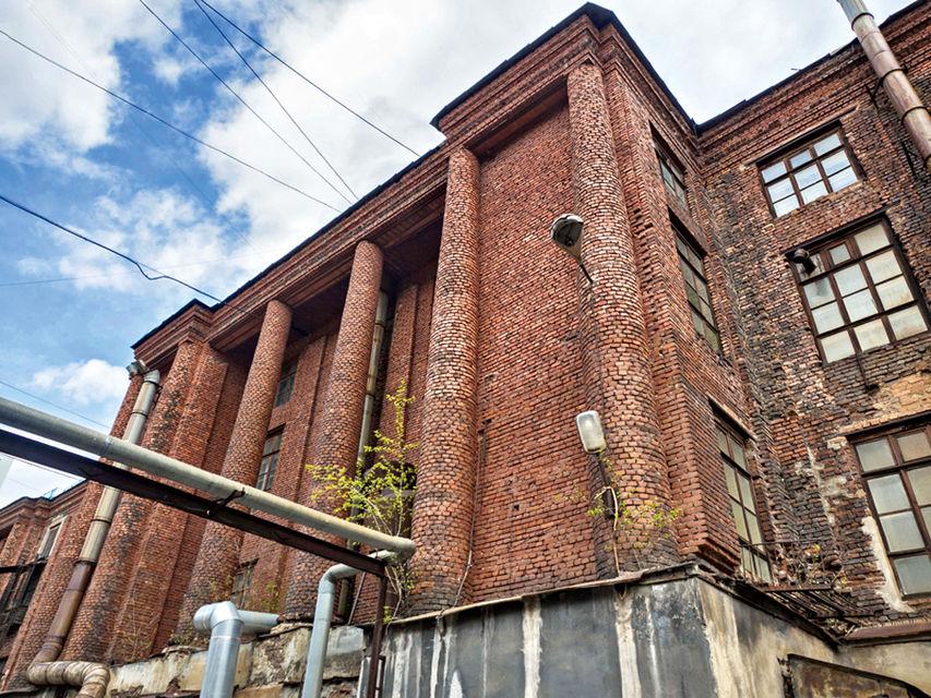 Одно из зданий микрорайона Уралмаш