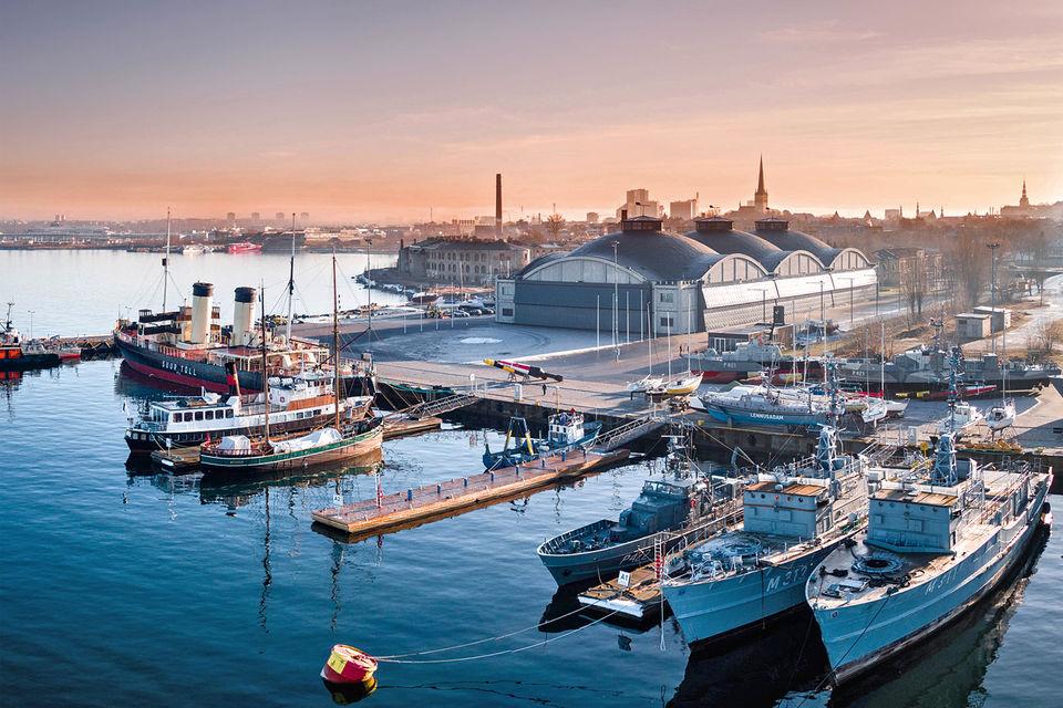 Летная гавань и исторический ангар