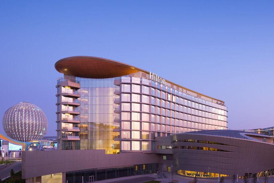 Видовые террасы на крыше и инфраструктура Hilton Astana для проведения мероприятий не имеют аналогов в столице Казахстана