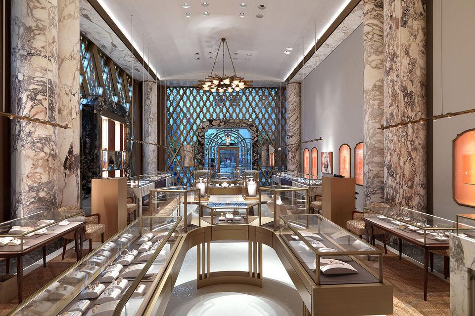 Интерьер бутика Bulgari вдохновлен архитектурой Рима