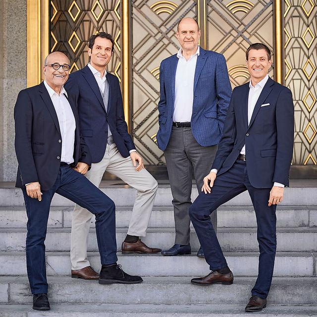 Жан и Альбер Богоссяны с сыновьями Роберто и Ральфом – пятое и шестое поколение семьи во главе ювелирного бренда