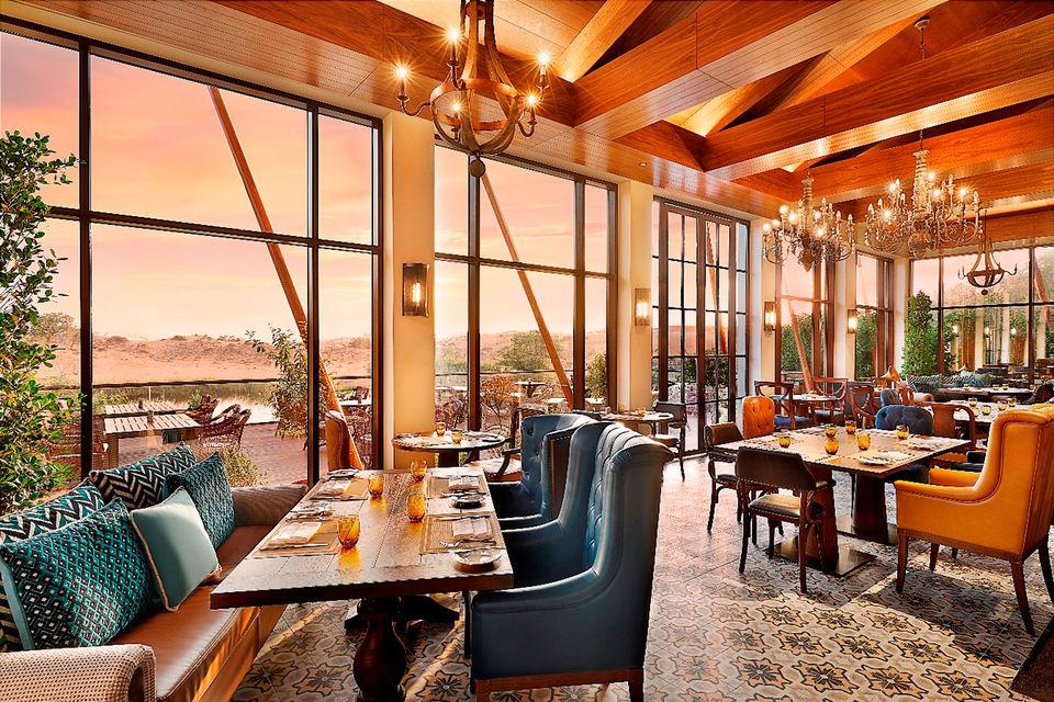 Отель «Ритц-Карлтон Рас-аль-Хайма», пустыня Аль-Вади, стал первым отелем  бренда в северном эмирате и четвертым объектом «Ритц-Карлтон» в ОАЭ
