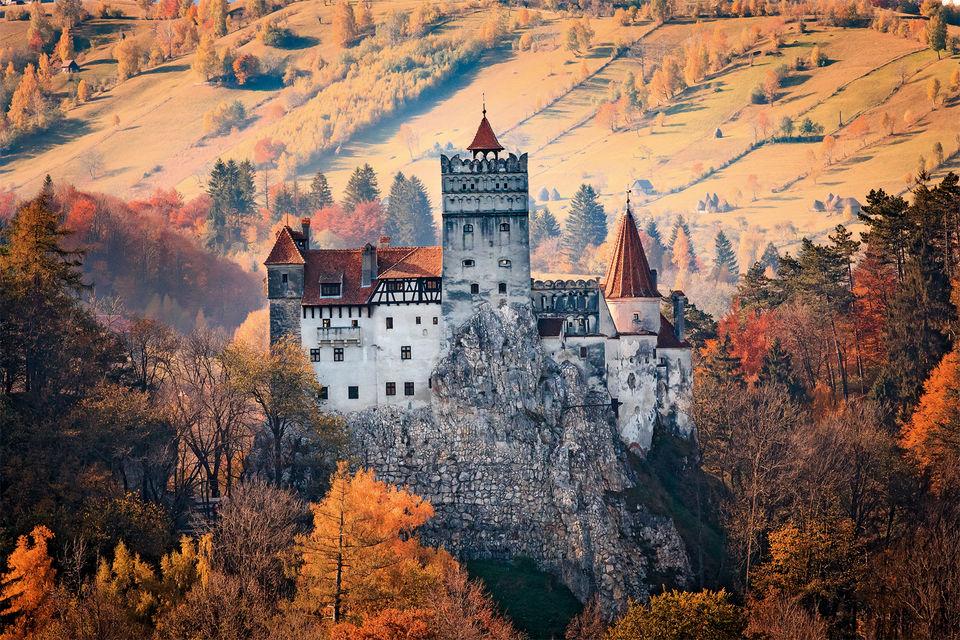Замок Бран в Трансильвании принято считать резиденцией графа Дракулы