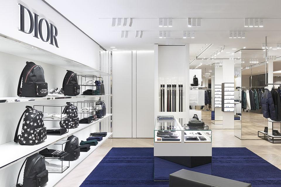 Линия Dior Homme представлена на втором этаже ЦУМа