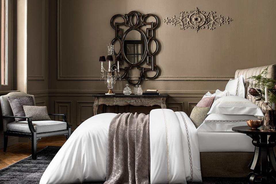 Для  персонализации доступно белое постельное белье из плотной ткани