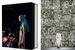 Dries Van Noten. Сюзанна Франкель и Тим БланксПо случаю выхода в этом году сотой коллекции бельгийского дизайнера Дриса ван Нотена выпущена книга в двух томах с полной ретроспективой модных показов Dries Van Noten. Листая тяжелые глянцевые страницы, можно проследить эволюцию эстетических взглядов дизайнера с самого начала и до сегодняшнего дня. Авторы собрали более 2000 фотографий, многие из которых никогда не публиковались ранее. Помимо подиумных луков здесь можно найти копии приглашений и познакомиться с мудбордами различных коллекций