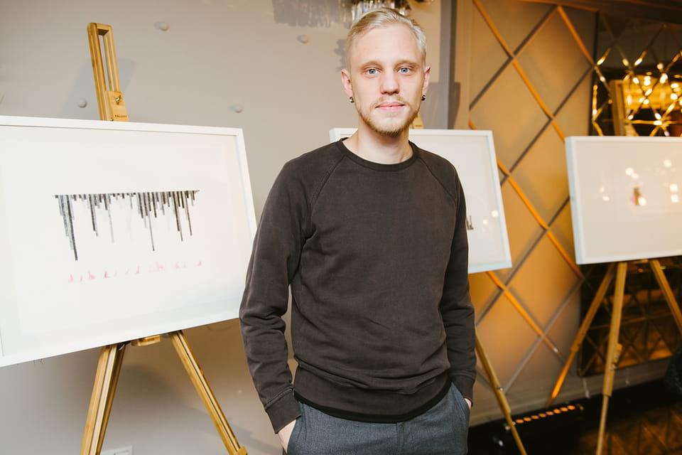 Художник Алексей Мартинс, обладатель гранта Ruinart Art Patronat на реализацию проекта «Черный диптих»