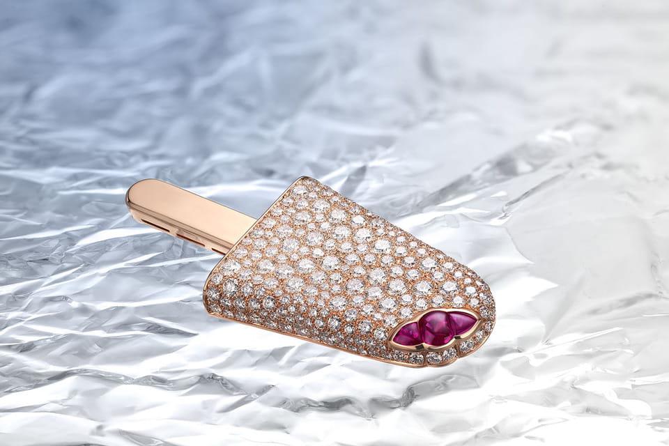 Брошь Gelati в россыпи бриллиантов и с «начинкой» из шпинели из коллекции Festa, Bulgari