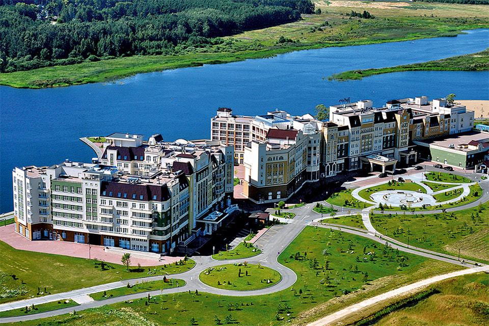 Гостиничный комплекс Radisson Resort & Residence Zavidovo) построен в 2014 г.