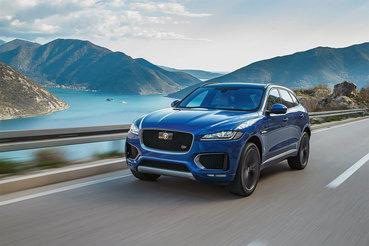 Кислотно-синий F-Pace красив, насколько это вообще возможно для автомобиля таких пропорций