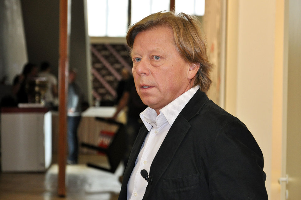 Директор Центрального дома художника Василий Бычков