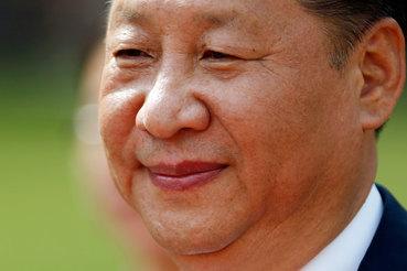 Си Цзиньпин сможет повысить свой статус одного из немногих ответственных и зрелых игроков, оставшихся на мировой арене, пишет Financial TImes