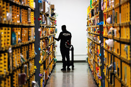 Amazon создаст в США более 100 000 рабочих мест