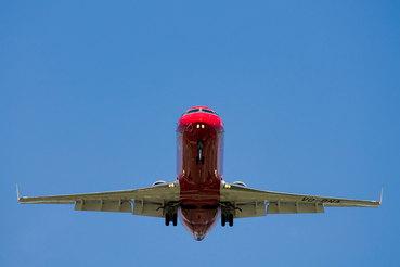 До недавнего времени все самолеты компании были покрашены в фирменную ливрею – красно-золотую или бело-красную с росписью под Хохлому