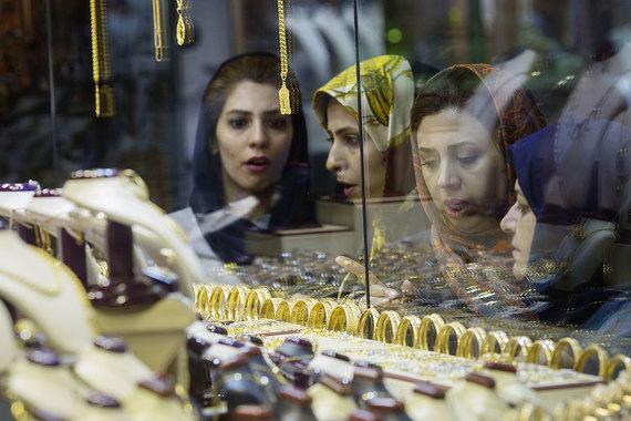Люксовым брендам будет трудно отучить иранцев от подделок