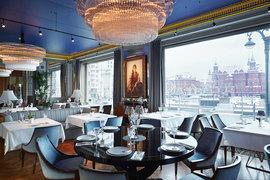 Одно из предложений ресторана «Белуга» - уникальный вид на Кремль, Манеж и Красную площадь