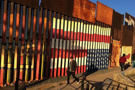 Президент Дональд Трамп подписал указ о строительстве стены на границе с Мексикой