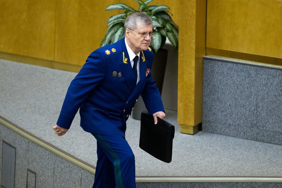 Генеральный прокурор Юрий Чайка назвал заработную плату руководителя «Почты России» наглостью