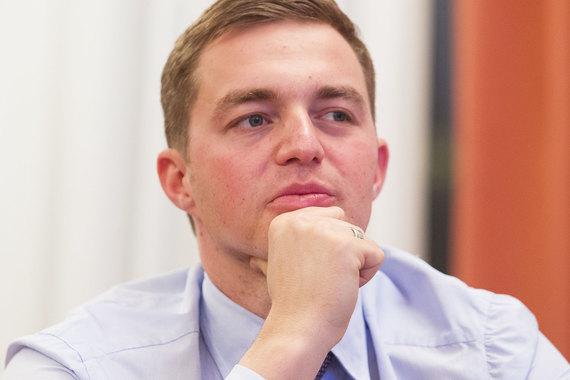 Александр Винокуров собирает фармактивы