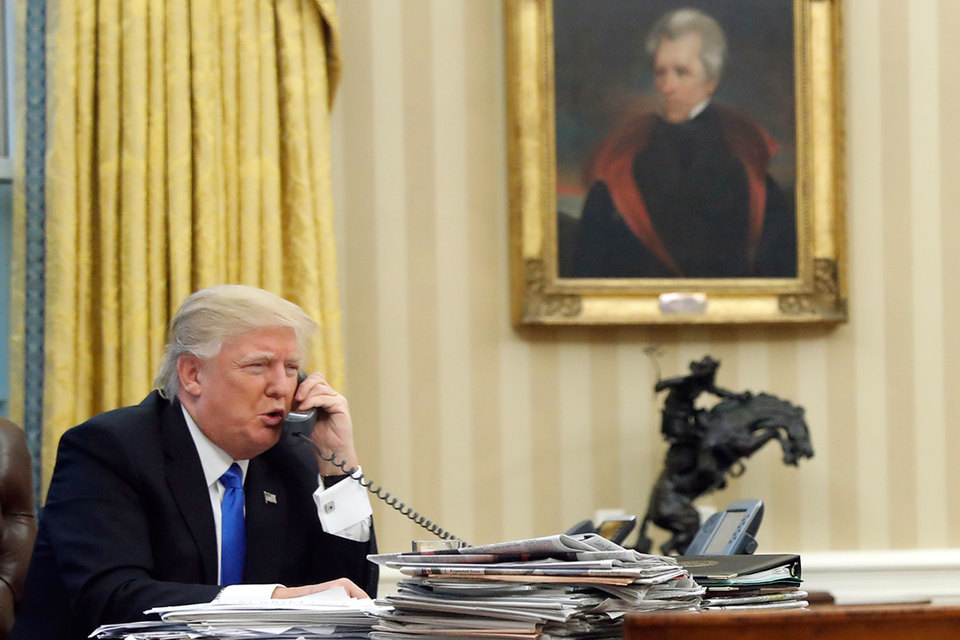 Трамп назвал разговор спремьером Австралии самым худшим