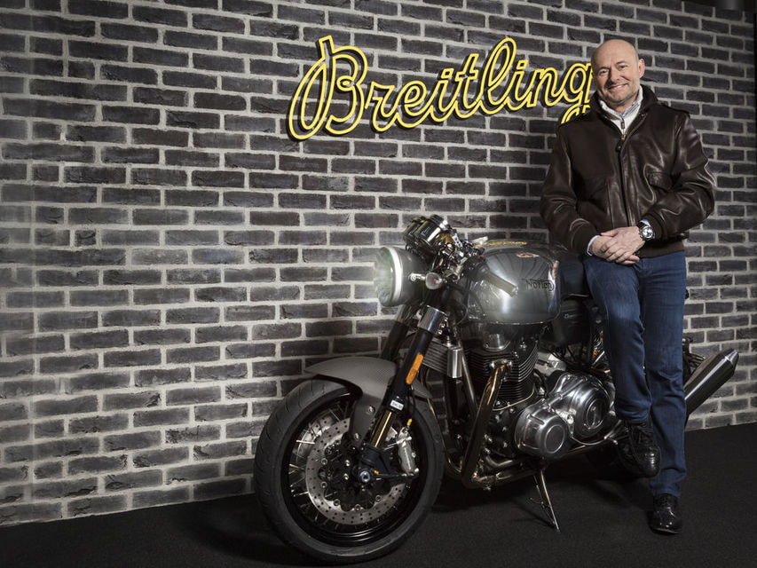 CEO Breitling Джордж Керн и мотоцикл Norton Dominator Motorcycles