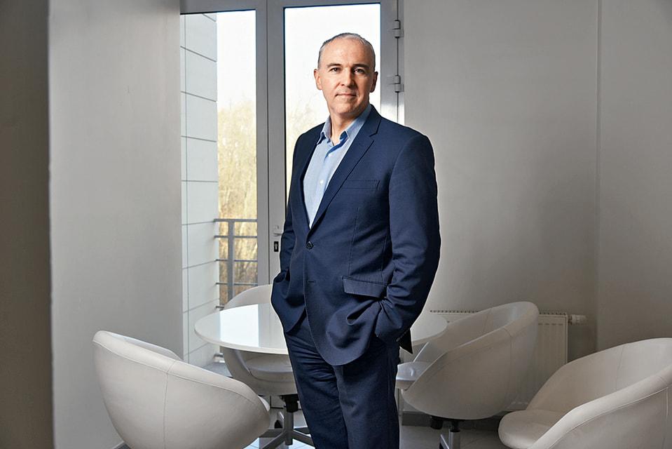 Гендиректор группы компаний «Си-Пи-Си» Игорь Столяров у себя в офисе