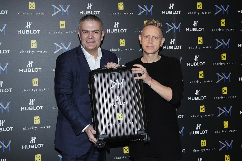 Генеральный директор Hublot Рикардо Гвадалупе и вокалист Depeсhe Mode Мартин Гор