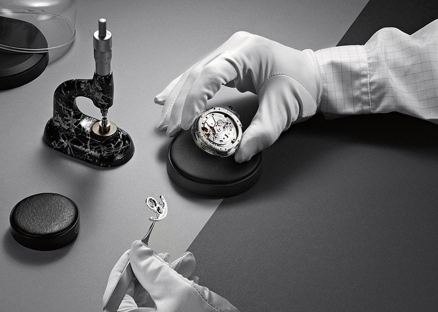 Производство часов в Ulysse Nardin построено на балансе инноваций и традиционных технологий