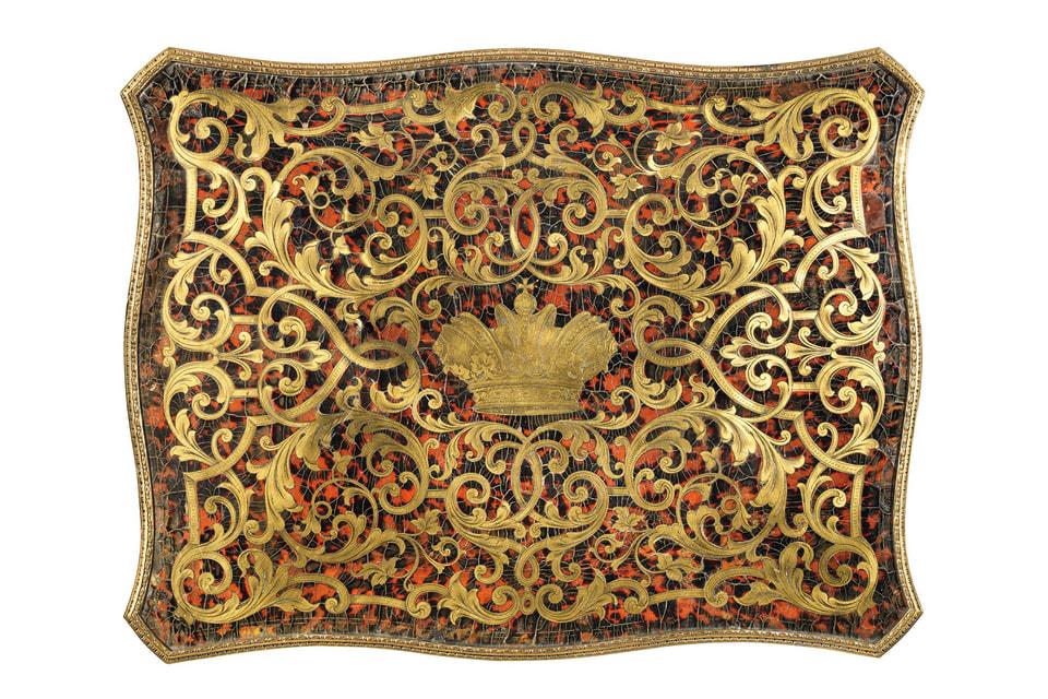 Судя по маркировке, лондонский ларец был изготовлен в конце 1850-х, в самом начале правления Александра Второго