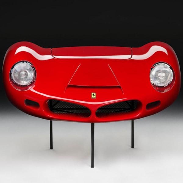 Носовая часть автомобиля Ferrari 268 SP выпуска 1962 год в масштабе 1:1