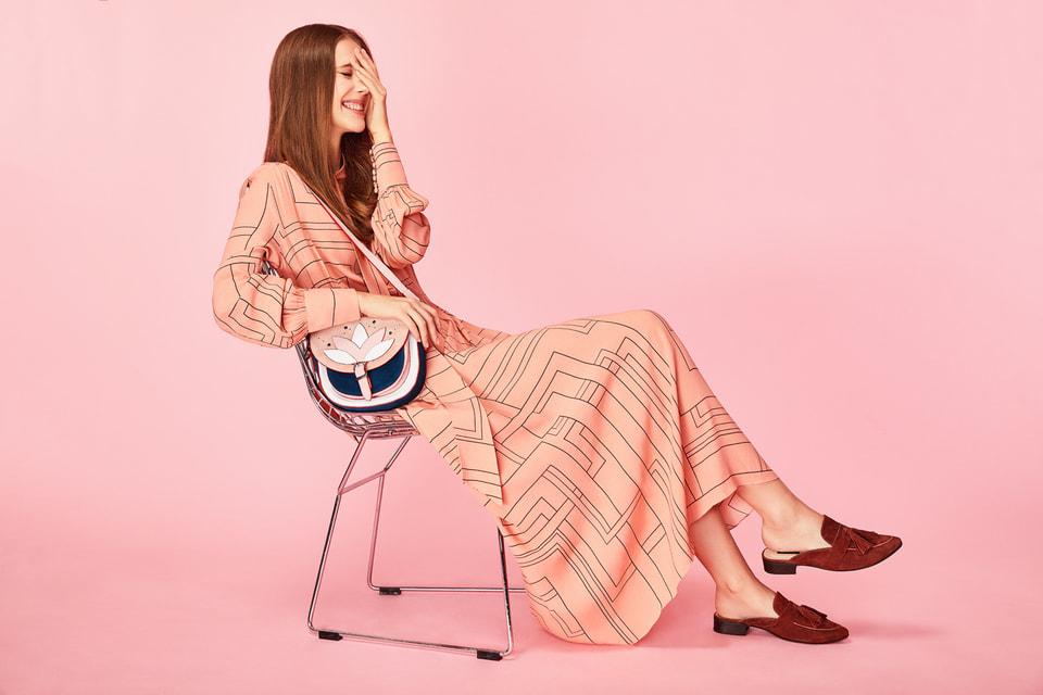 В онлайн-пространстве Tervolina.ru представлены обувь и аксессуары актуальных коллекций для женщин и мужчин