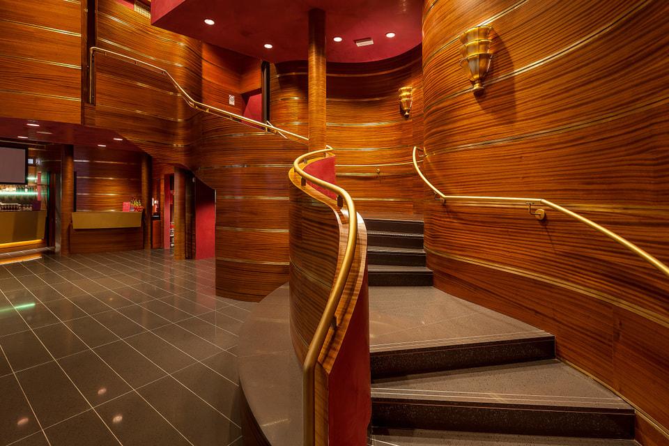 Холл кинотеатра