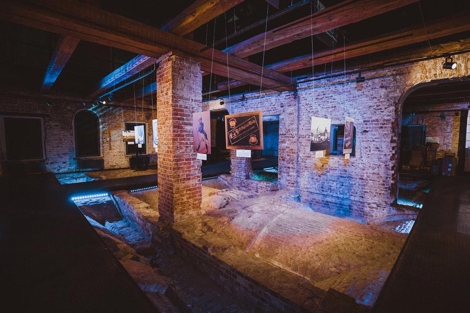 Один из залов экспозиции, посвященной истории Johnnie Walker