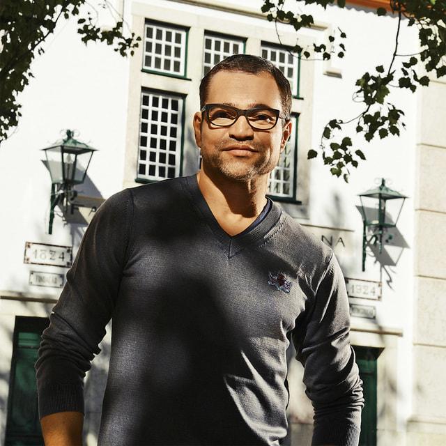 Саша Валькхофф, креативный директор модного дома Christian Lacroix