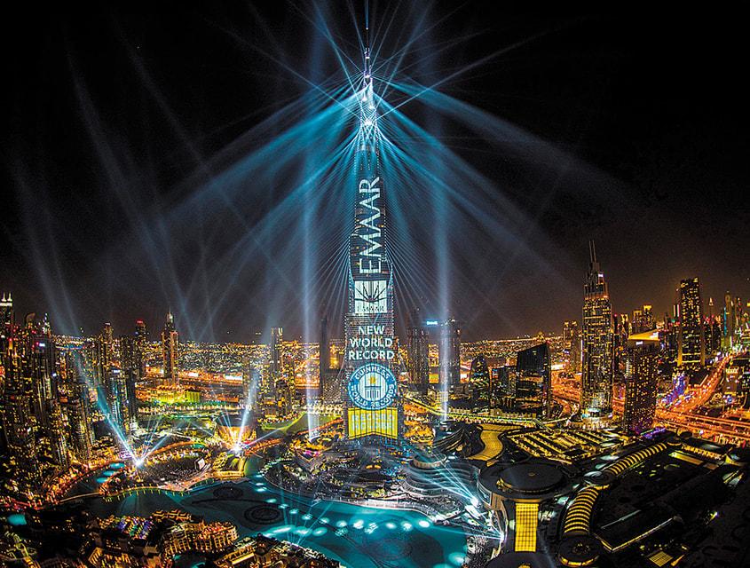 Грандиозным световым шоу на «Бурдж Халифа» Дубай встретил 2018 год. Представление произвело фурор, и его продлили до 31 марта