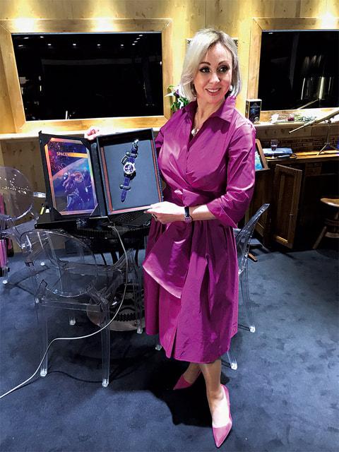 Оксана Леонова представляет часы Spacewalker, созданные маркой Louis Moinet и ее отцом, космонавтом Алексеем Леоновым