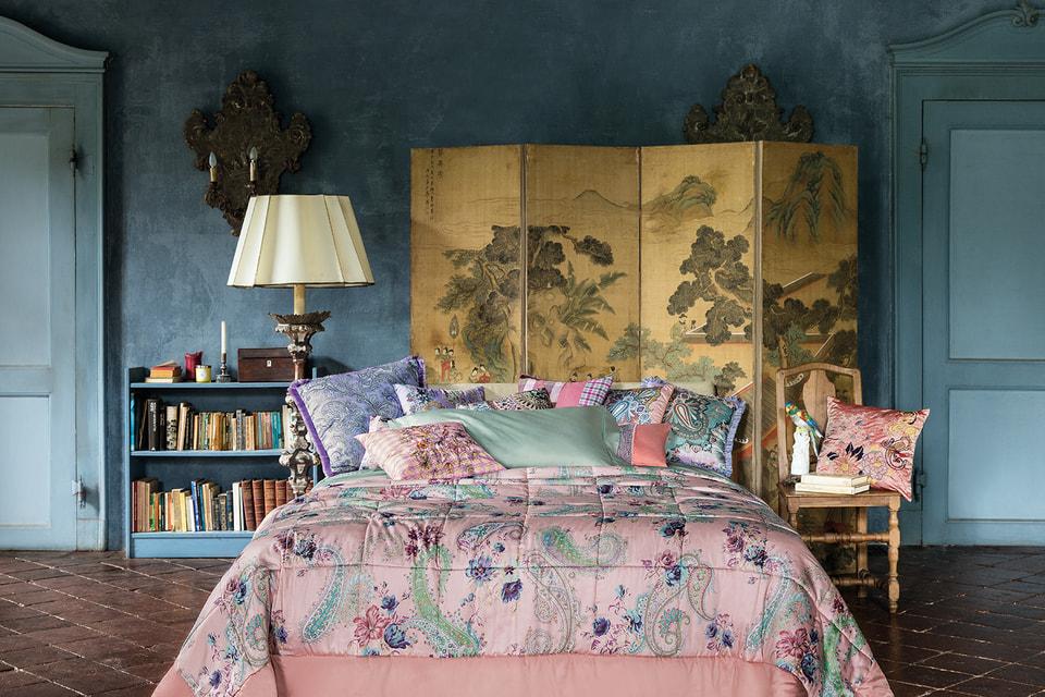 С появлением коллекции Etro Home поклонники бренда смогли и свой дом заполнить любимым пейсли